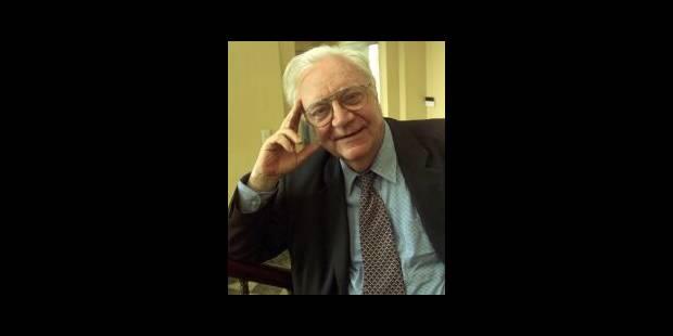 Un homme qui goûte la vie, les livres, les poètes et les terrasses - La Libre