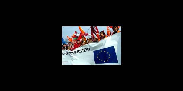 "Manifestations ""anti Bolkestein"" à Strasbourg - La Libre"