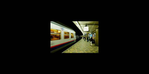 Un navetteur en train sur deux arriverait en retard - La Libre