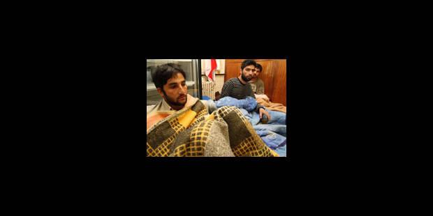 Les Afghans suspendent leur action - La Libre