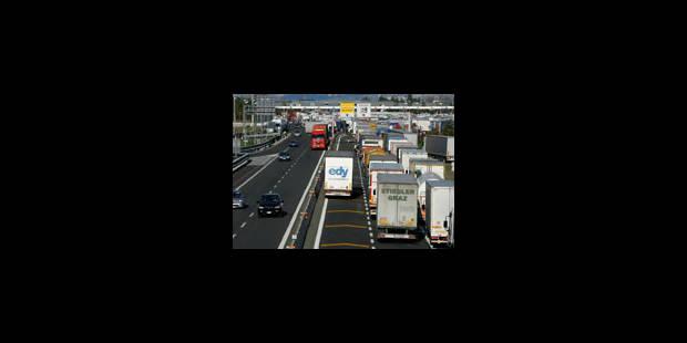 Des routiers italiens suspendent la grève - La Libre