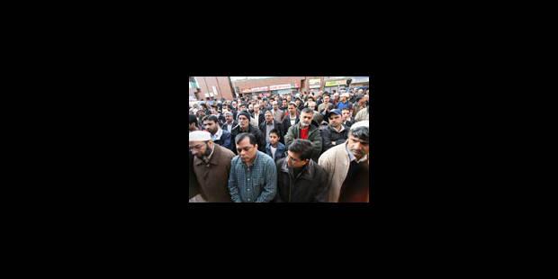 Des milliers de manifestants contre Musharaf - La Libre