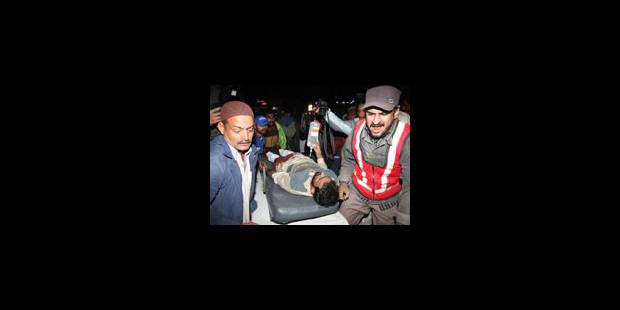 Dix morts, 50 blessés dans l'explosion d'une bombe à Karachi - La Libre