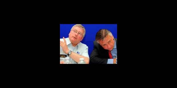 Les 2 secrétaires de direction provisoirement écartées - La Libre