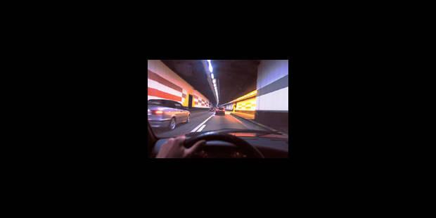 Spectaculaire accident dans le tunnel Madou - La Libre