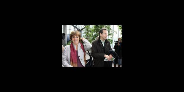 Ecolo prône le scotchage au CDH - La Libre