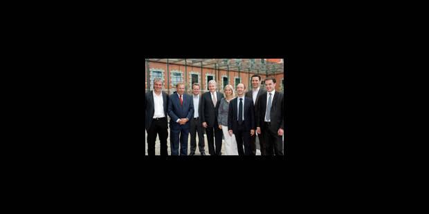 Les nouveaux ministres wallons ont prêté serment - La Libre