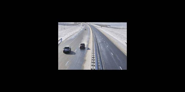 Neige: perturbations à l'aéroport national; quelques retards sur les routes - La Libre