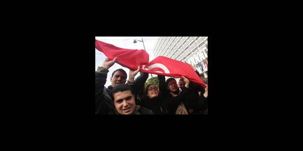 Tunis: nouvelle manifestation contre un gouvernement fragilisé - La Libre