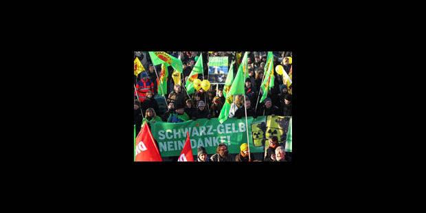Plus de 200.000 manifestants en Allemagne contre la précarisation du travail - La Libre