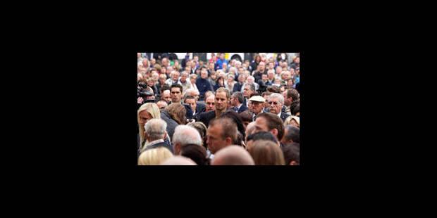 2500 personnes, de nombreux cyclistes, aux funérailles de Weylandt - La Libre