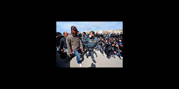 Italie: près de 1.000 immigrés débarquent en provenance de Libye - La Libre