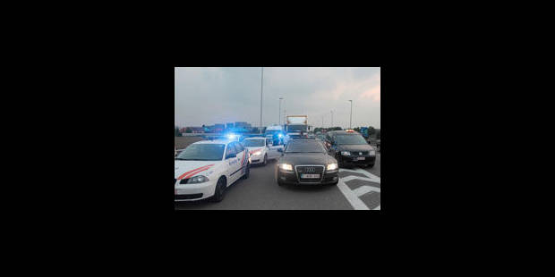 Le taximan qui avait forcé un barrage policier à Zaventem a été remis en liberté - La Libre