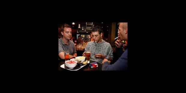 Au moins 2 000 décès par an sont attribués au tabagisme passif - La Libre