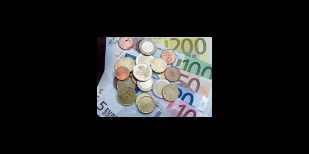 L'euro recule face au dollar, crainte de contagion de la crise à l'Espagne - La Libre