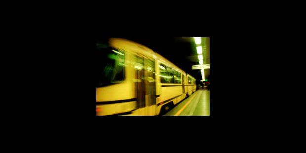 Perturbations dans le pré-métro: découverte d'un colis suspect - La Libre