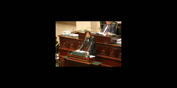 Elio Di Rupo défend la réforme Van Quickenborne devant la chambre - La Libre