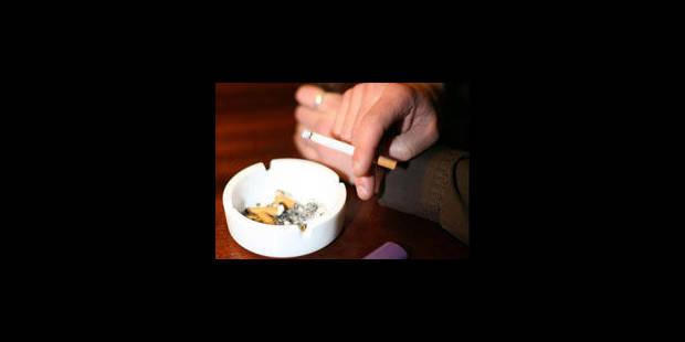 Fumer en terrasse: les règles ne sont pas modifiées - La Libre