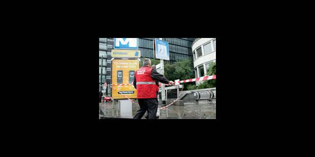 Collision entre un tram et un bus scolaire au Botanique - La Libre
