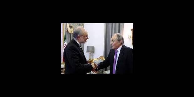 Michel Rocard en Iran, Hollande prend ses distances - La Libre