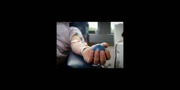 Les homosexuels pourront donner leur sang après 5 ans de chasteté au Canada - La Libre