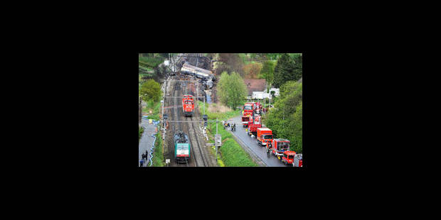 Schellebelle : mise en place d'un chemin d'accès renforcé vers le train - La Libre