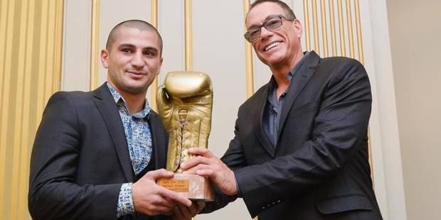 Alex Miskirtchian récompensé par Jean-Claude Vandamme - La Libre