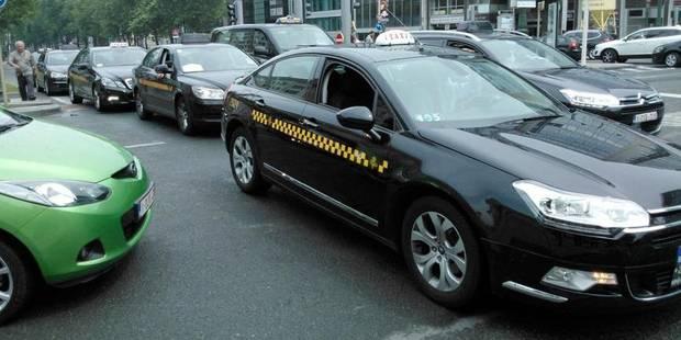 Circulation perturbée à Bruxelles par un cortège de 215 taxis - La Libre