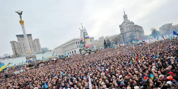 Ukraine: près de 300 000 personnes dans les rues - La Libre