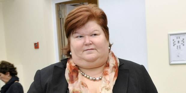 Maggie De Block: immigration, GSM... et soutien-gorge! - La Libre