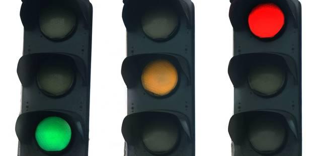 Les feux de signalisation bruxellois désormais commandés à distance - La Libre