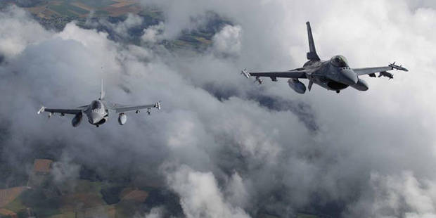Les USA envoient douze F16 en Pologne - La Libre