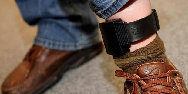 Un suspect sous surveillance électronique en fuite ne peut pas être interpellé - La Libre