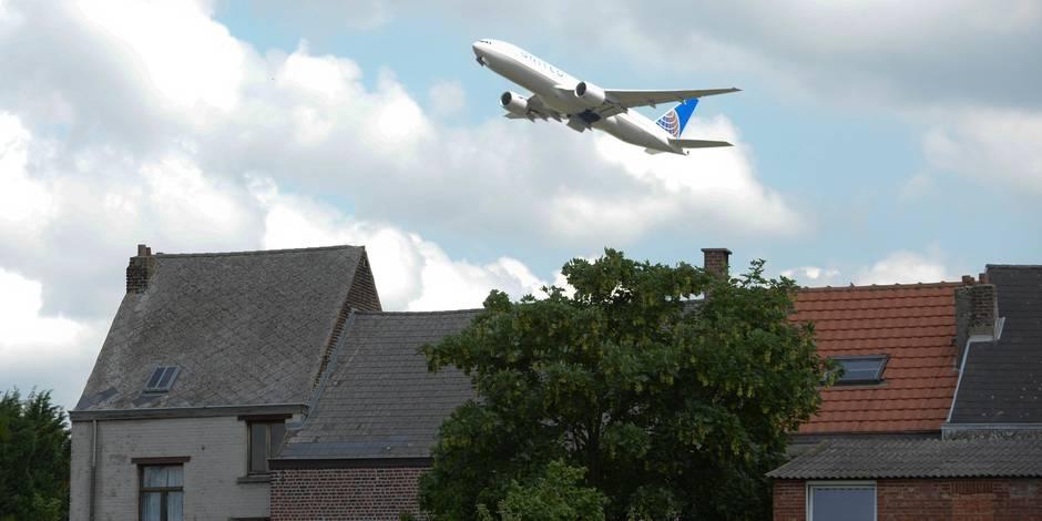 Avions: le plan du MR pour éviter un choc communautaire - La Libre