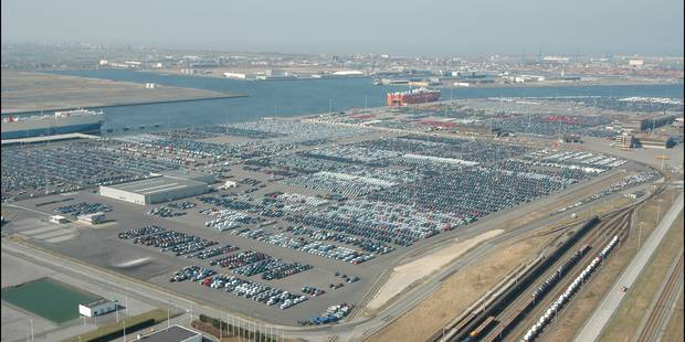 35 clandestins découverts dans un bateau parti de Zeebruges - La Libre