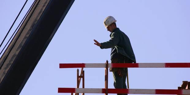 Près de 12.000 emplois perdus dans la construction en deux ans et demi - La Libre