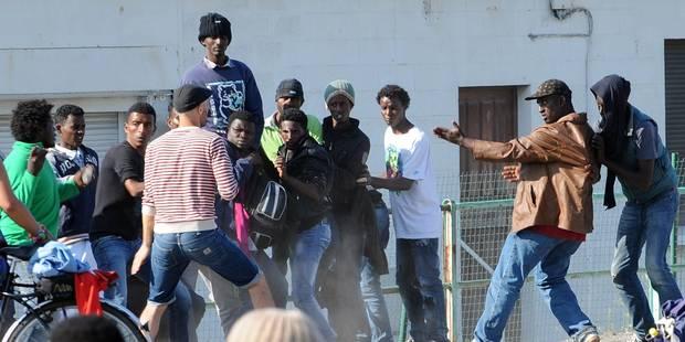 Afflux de migrants à Calais: la maire menace de bloquer le port - La Libre