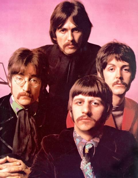 Les Beatles moustachus, une photo mythique
