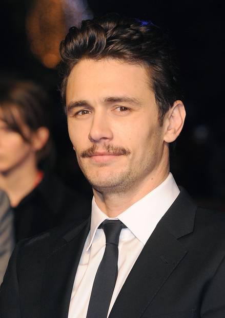James Franco, ou la preuve que la moustache peut rendre sexy