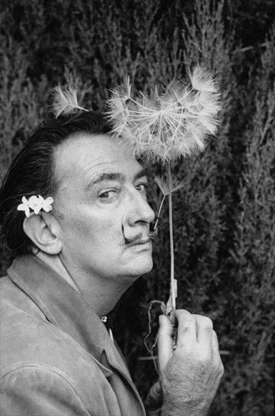 Nous ne pouvions pas oublier la bacchante artistique de Dali