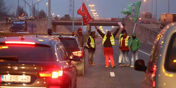 Grèves tournantes à Namur et Liège : les piquets resteront jusqu'à la fin de l'après-midi - La Libre