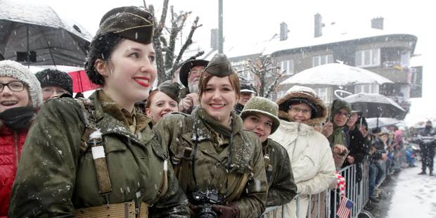 70e anniversaire de la Bataille des Ardennes: Bastogne rend un hommage officiel sous la neige - La Libre