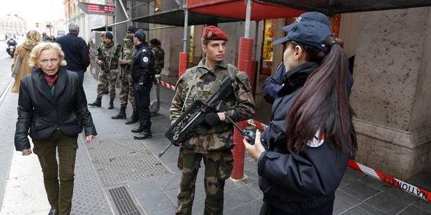 France: trois militaires agressés, deux hommes interpellés - La Libre