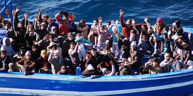 Naufrage de migrants en Méditerranée: 200 disparus selon des survivants - La Libre