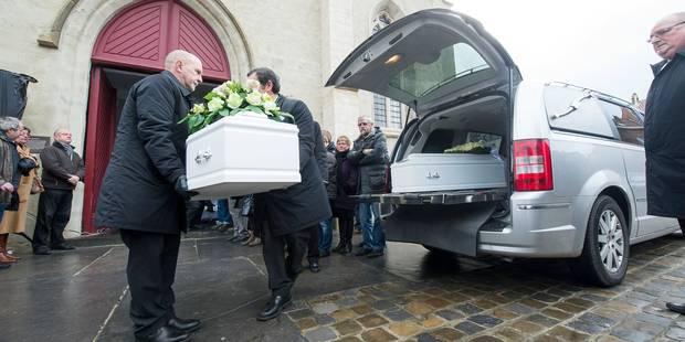 Drame de Lennik: beaucoup d'émotions aux funérailles des trois jeunes victimes - La Libre