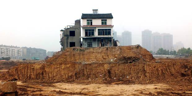 """Ces """"maisons clous"""", symbole de résistance face aux entrepreneurs immobilier - La Libre"""