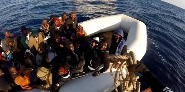 Méditerranée : Appel de détresse pour un bateau de 300 migrants - La Libre