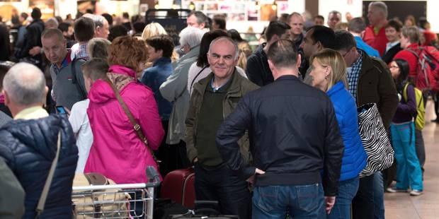 Les agents de police poursuivent leur grève du zèle à Brussels Airport - La Libre