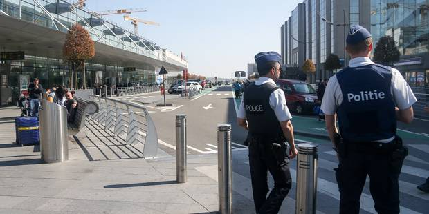 Grève du zèle à Brussels Airport : un accord est conclu entre le ministre de l'Intérieur et les syndicats - La Libre