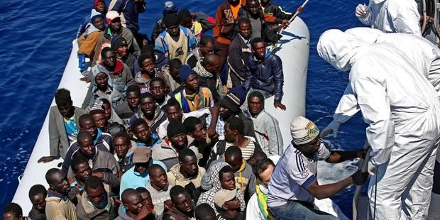 Naufrage de migrants: Plus de 750 passagers, des morts avant le départ - La Libre